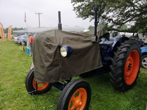 E27N TRACTOR COVER